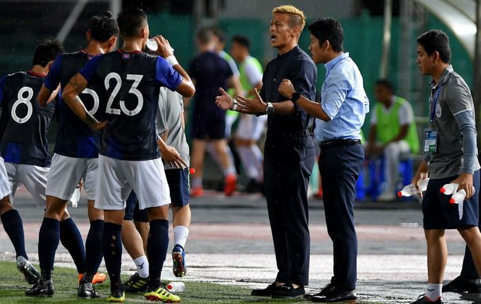 Keisuke Honda bất ngờ vắng mặt, HLV thứ 2 tuyên bố tuyển Campuchia vẫn sống khỏe - Ảnh 1.