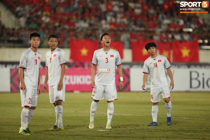 Cậu út của tuyển Việt Nam muốn tái hiện bàn tay của chúa trong trận mở màn AFF Cup 2018 - Ảnh 1.