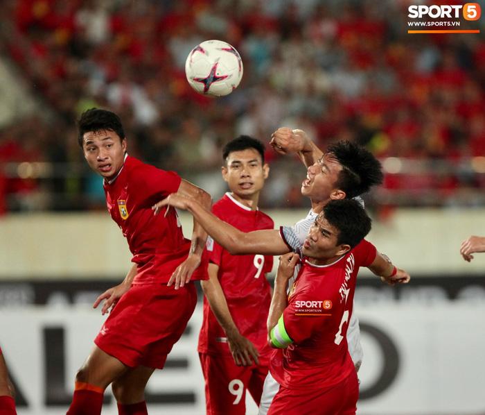 Cậu út của tuyển Việt Nam muốn tái hiện bàn tay của chúa trong trận mở màn AFF Cup 2018 - Ảnh 2.