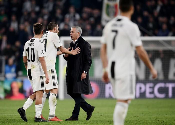 Gáy to lên nữa đi nào - Màn trêu ngươi của Mourinho khiến cầu thủ Juventus nổi điên - Ảnh 6.