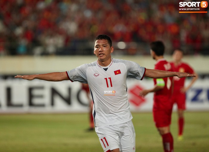 Cậu út của tuyển Việt Nam muốn tái hiện bàn tay của chúa trong trận mở màn AFF Cup 2018 - Ảnh 8.