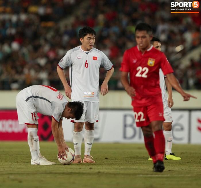 Cậu út của tuyển Việt Nam muốn tái hiện bàn tay của chúa trong trận mở màn AFF Cup 2018 - Ảnh 10.