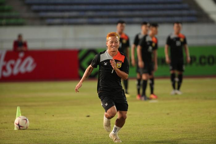 Không được ra sân trong trận thua Việt Nam, Messi Lào có ý giã từ ĐTQG  - Ảnh 2.