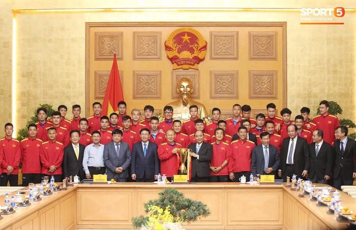 Thủ tướng Chính phủ gặp mặt, khen thưởng Đội tuyển Việt Nam - Ảnh 2.