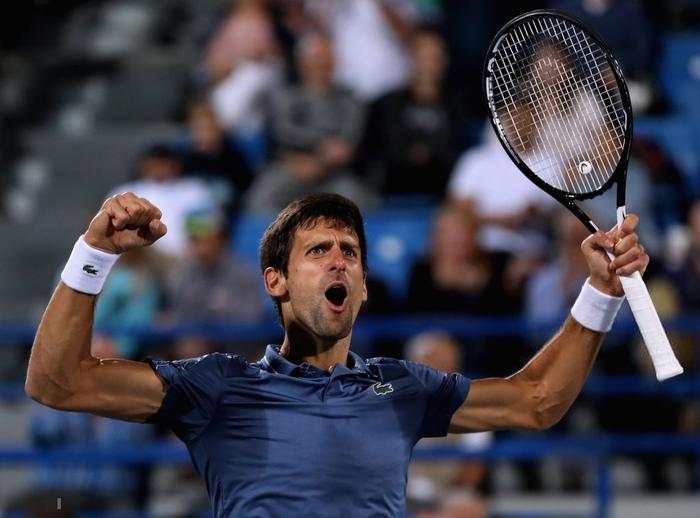 Ngược dòng lên ngôi vô địch trước thềm năm mới, Djokovic cân bằng kỷ lục với Nadal - Ảnh 2.