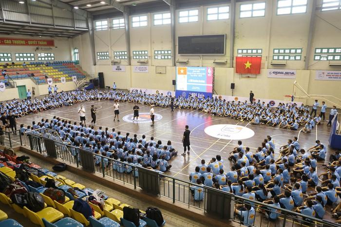 Chương trình Tập huấn phát triển bóng rổ học đường có mặt tại Hà Nội, thu hút sự tham gia của hàng nghìn giáo viên - Ảnh 4.