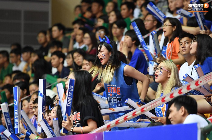 Á hậu Đại dương 2017 cổ động nhiệt tình, Cantho Catfish đánh bại Hanoi Buffaloes ở Games 2 chung kết VBA 2018 - Ảnh 7.