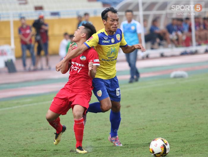 Cựu cầu thủ U20 Việt Nam bức xúc với trọng tài tại giải Hạng Nhất - Ảnh 2.
