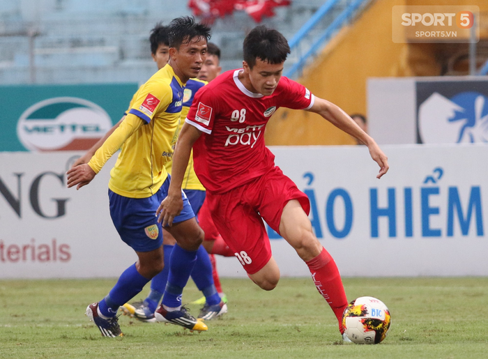 Cựu cầu thủ U20 Việt Nam bức xúc với trọng tài tại giải Hạng Nhất - Ảnh 3.