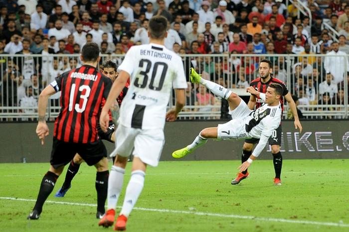 Ronaldo ghi bàn quyết định, cùng Juventus giành danh hiệu đầu tiên trong năm 2019 - Ảnh 3.