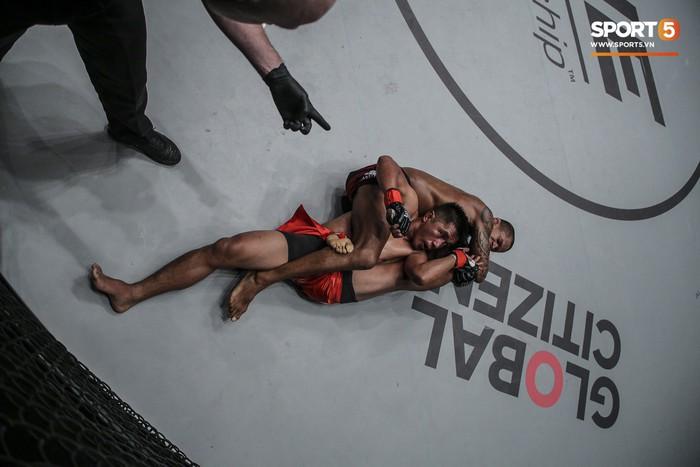 Eustaquio mất đai vô địch vào tay Moraes trong trận đấu siêu kinh điển tại ONE Championship: Heros Ascent - Ảnh 6.