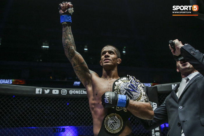 Eustaquio mất đai vô địch vào tay Moraes trong trận đấu siêu kinh điển tại ONE Championship: Heros Ascent - Ảnh 9.