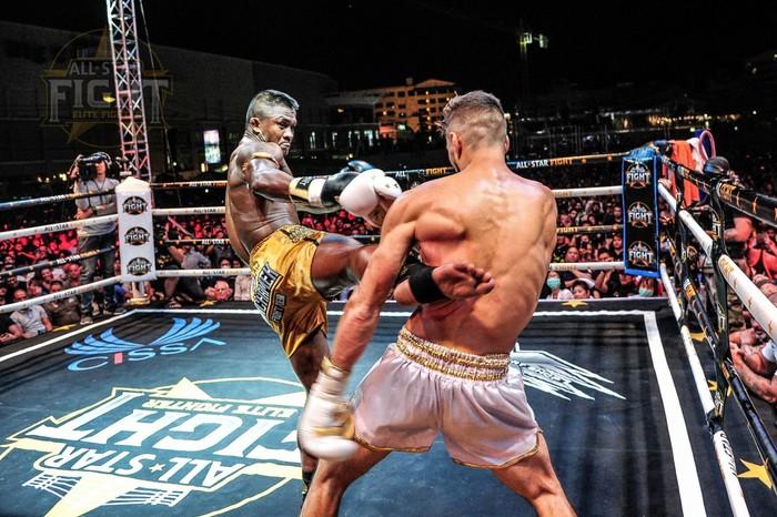 Khiêu khích Thánh Muay Buakaw, nhà vô địch châu Âu nhận cái kết đắng - Ảnh 3.
