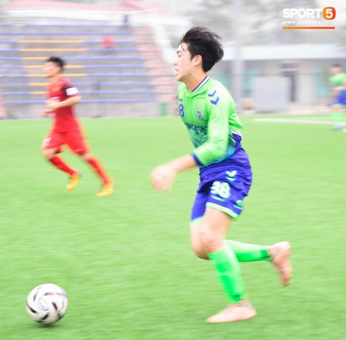 Bất chấp cái Tết cận kề, các cầu thủ U22 Việt Nam vẫn quyết tâm tập luyện, thi đấu với đội bóng Hàn Quốc - Ảnh 5.