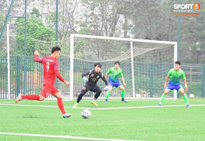 Bất chấp cái Tết cận kề, các cầu thủ U22 Việt Nam vẫn quyết tâm tập luyện, thi đấu với đội bóng Hàn Quốc - Ảnh 6.