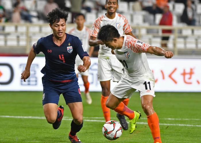 Báo Thái Lan viện đủ lý do về thất bại muối mặt của đội nhà trong trận ra quân Asian Cup 2019 - Ảnh 1.