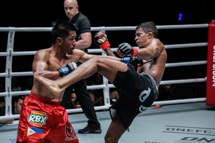 ONE Championship hâm nóng làng võ thế giới bằng trận đánh siêu kinh điển ngay đầu năm 2019 - Ảnh 1.