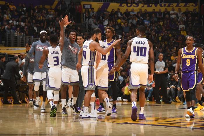 NBA 19-20: LeBron James chứng minh đẳng cấp ngôi sao, Los Angeles Lakers vượt qua Sacramento Kings ở những giây cuối cùng - Ảnh 2.