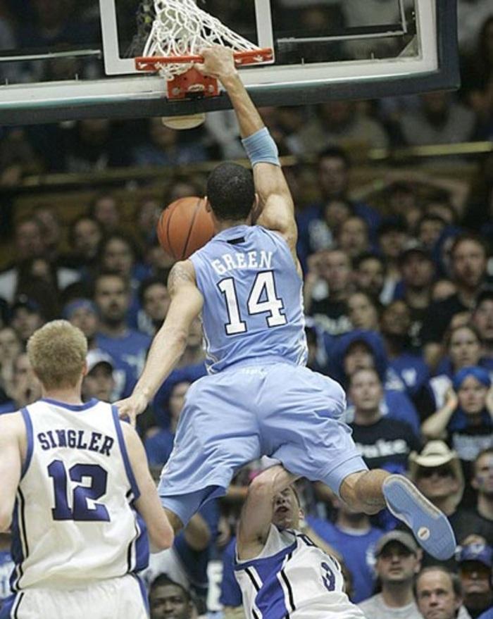 Nổi hứng úp rổ đẹp mắt, sao bóng rổ NBA khiến người hâm mộ trầm trồ đến mức phải kiểm tra doping ngay lập tức - Ảnh 3.