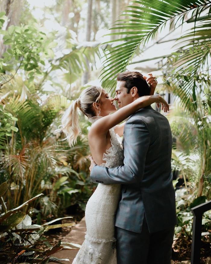 Thiên thần Kaka chính thức lên xe hoa lần thứ 2, khoe bộ ảnh cưới đẹp mê hồn bên người vợ xinh đẹp - Ảnh 5.