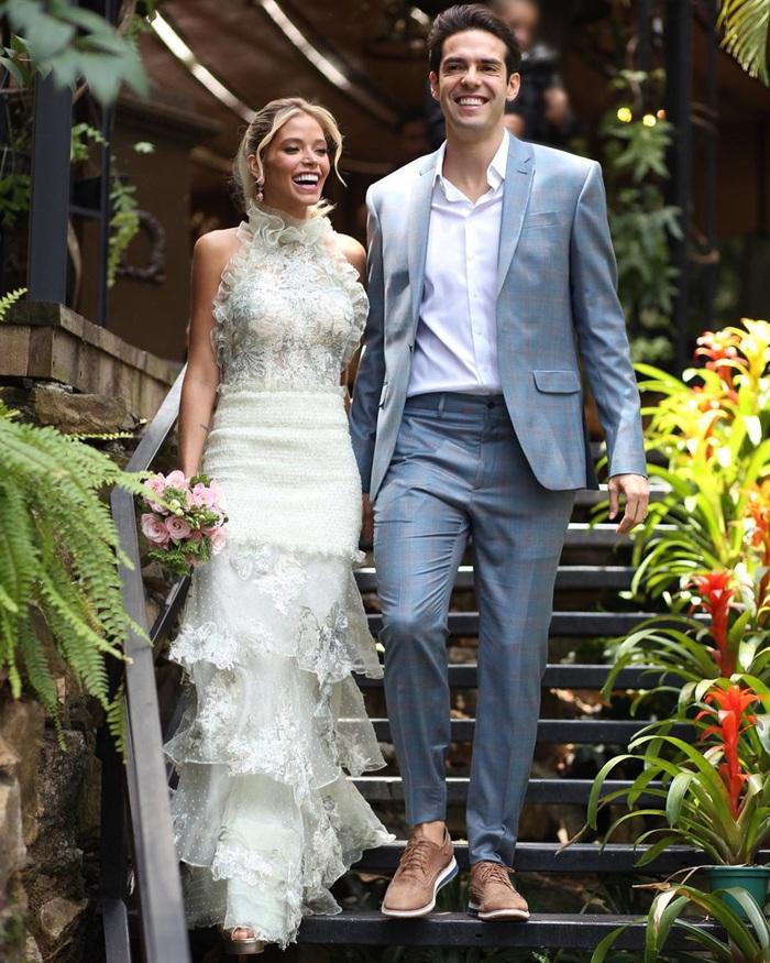 Thiên thần Kaka chính thức lên xe hoa lần thứ 2, khoe bộ ảnh cưới đẹp mê hồn bên người vợ xinh đẹp - Ảnh 1.