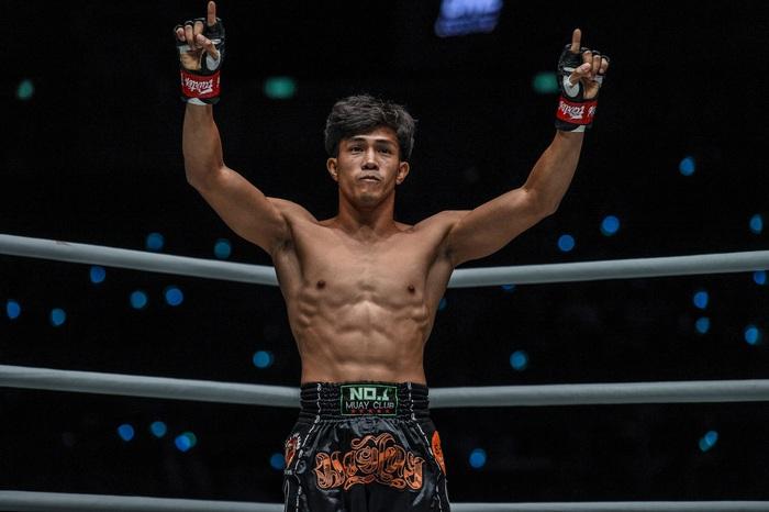 """""""Độc cô cầu bại"""" Nguyễn Trần Duy Nhất tung đòn chân kinh hoàng, hạ đo ván nhà vô địch võ thuật Nhật Bản - Ảnh 3."""