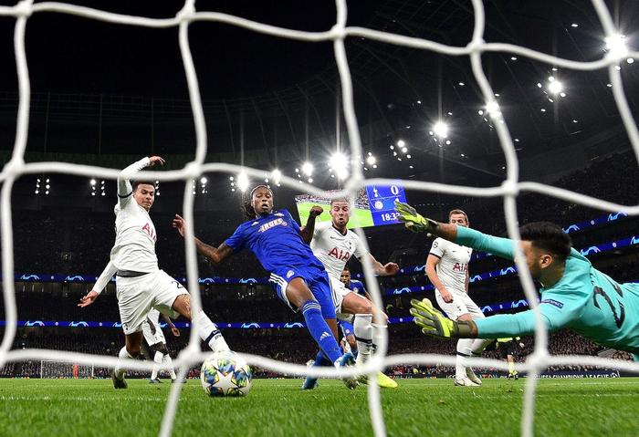 Tottenham 4-2 Olympiacos: Lội ngược dòng ngoạn mục, Mourinho có chiến thắng tưng bừng trong ngày trở lại đấu trường UEFA Champions League - Ảnh 3.