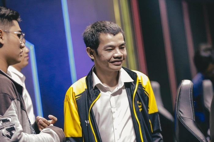 Sau tin đồn Zeros sang LPL thi đấu, HLV Tinikun tiết lộ anh có nhiều lời mời tới Trung Quốc làm việc - Ảnh 2.