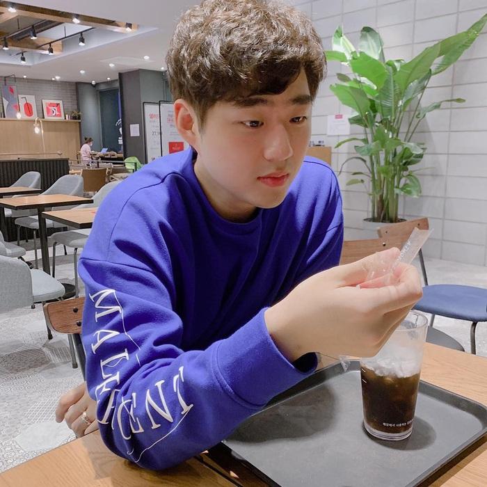 Cặp đôi trai gái tài sắc vẹn toàn, nổi tiếng nhất LMHT Hàn Quốc đang im ỉm hẹn hò nhưng không qua mắt được fan cuồng - Ảnh 1.