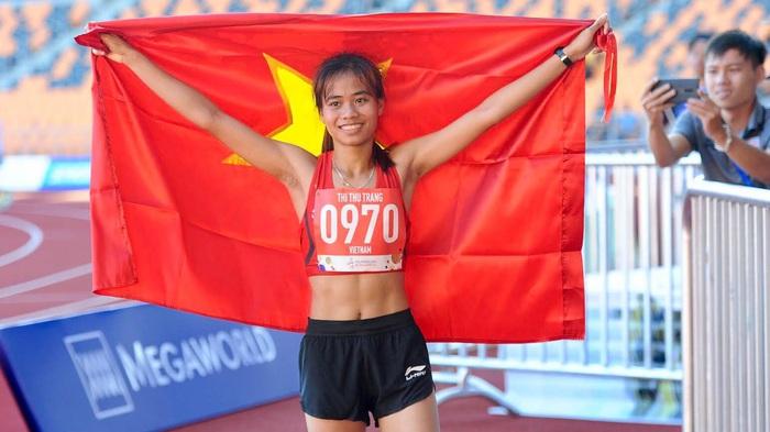 """""""VĐV chạy GrabBike đoạt HCV SEA Games"""" Phạm Thị Thu Trang nhận thưởng nóng - Ảnh 1."""