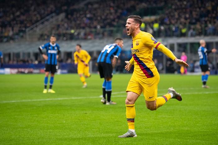 Tung ra đội hình thiếu vắng nhiều trụ cột, Barca vẫn dễ dàng có được chiến thắng 2-1 trước Inter ngay trên sân Giuseppe Meazza và loại đại diện nước Ý ra khỏi Cúp C1  - Ảnh 3.