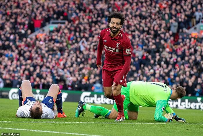 Liverpool 3-0 Bournemouth: Salah, Mane tỏa sáng giúp The Kop đòi lại ngôi đầu NH Anh - Ảnh 2.