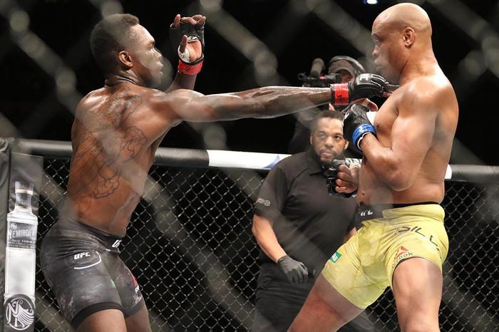 Hạ gục võ sĩ MMA xuất sắc nhất mọi thời, tay đấm bất bại gửi chiến thư tới toàn thế giới - Ảnh 3.