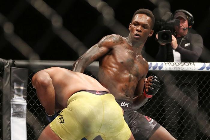 Hạ gục võ sĩ MMA xuất sắc nhất mọi thời, tay đấm bất bại gửi chiến thư tới toàn thế giới - Ảnh 4.