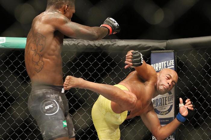 Hạ gục võ sĩ MMA xuất sắc nhất mọi thời, tay đấm bất bại gửi chiến thư tới toàn thế giới - Ảnh 6.