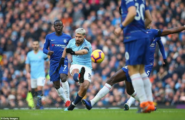 Bạn thân của Messi lại ghi 3 bàn, Man City hủy diệt Chelsea 6 bàn không gỡ, đòi lại ngôi đầu bảng từ tay Liverpool - Ảnh 4.