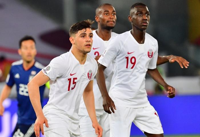 Muôn sắc thái của mỹ nam Bassam Hisham trong lễ ăn mừng vô địch Asian Cup 2019 của tuyển Qatar - Ảnh 3.