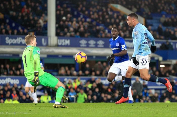 Đánh bại đối thủ truyền kiếp của Liverpool, Man City vượt lên chiếm lấy ngôi đầu bảng Ngoại hạng Anh - Ảnh 11.