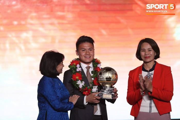 Lâm Tây đặt mục tiêu học giao tiếp như người Việt thực thụ trong năm 2019 - Ảnh 3.
