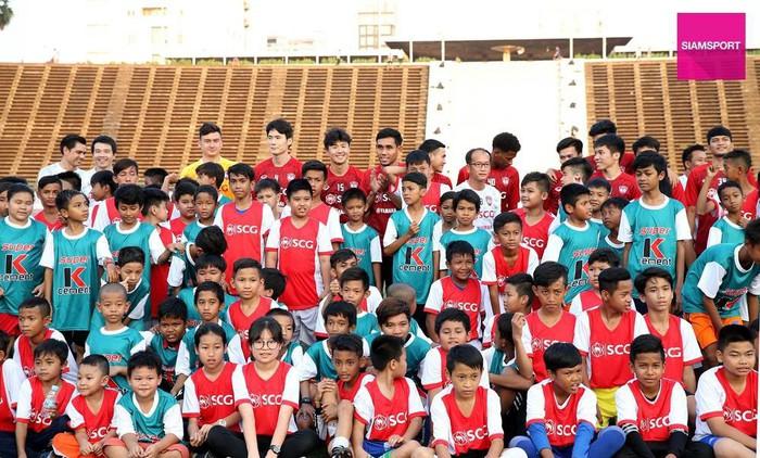 Văn Lâm có trận đấu ra mắt đội bóng mới trên đất Campuchia vào tối 09/02? - Ảnh 1.
