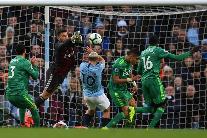 Ghi 3 bàn thắng thần tốc đầu hiệp hai, Man City cho Liverpool hít khói trong cuộc đua vô địch Ngoại hạng Anh - Ảnh 2.