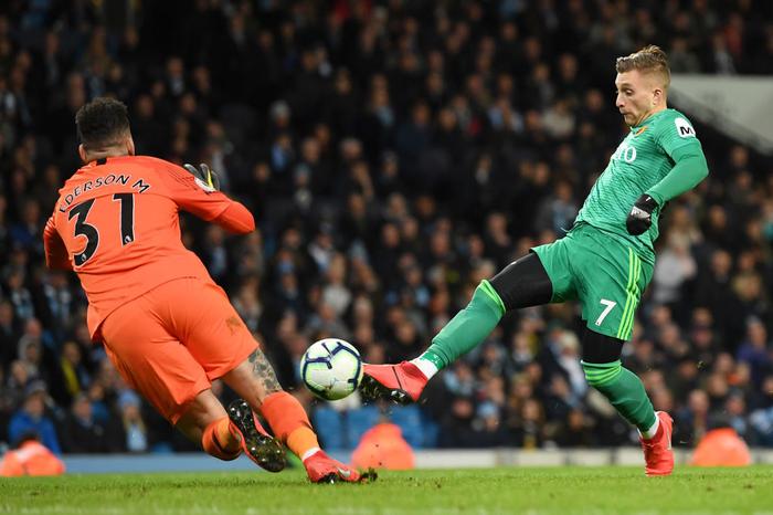 Ghi 3 bàn thắng thần tốc đầu hiệp hai, Man City cho Liverpool hít khói trong cuộc đua vô địch Ngoại hạng Anh - Ảnh 7.