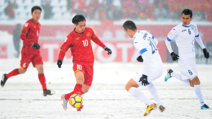Phải đá dưới tuyết trắng như U23 Việt Nam tại Thường Châu, tuyển thủ Nhật Bản mất oan một bàn thắng - Ảnh 5.