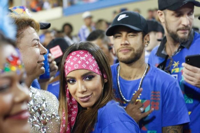 Sau một đêm vui vẻ với Neymar trong khách sạn, tài khoản MXH của cô người mẫu bốc lửa hút thêm vạn người theo dõi - Ảnh 4.