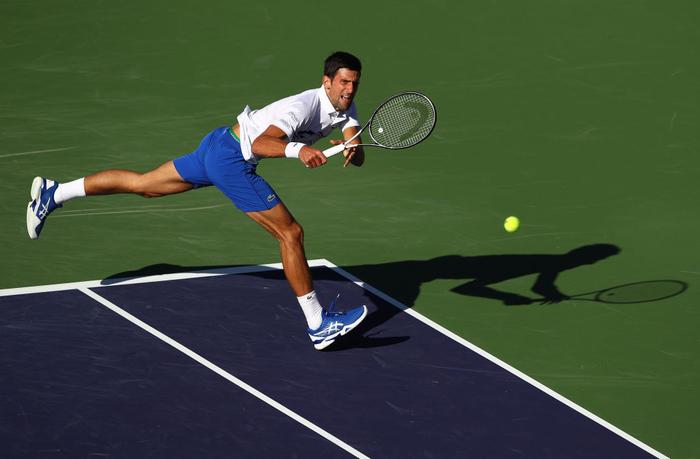Djokovic nổi giận đạp nát vợt khi thua sốc, Federer hạ gục bạn thân tại Indian Wells - Ảnh 3.
