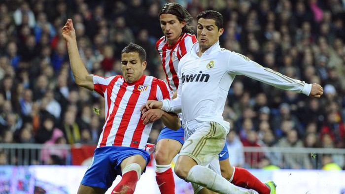 Chưa hết cay vì thất bại, cựu danh thủ Atletico phát ngôn sốc: Ronaldo hành xử như gã ngốc, sẽ chẳng bao giờ vĩ đại như Messi - Ảnh 2.