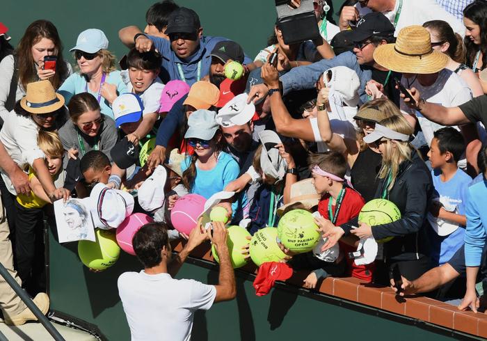 Federer dạo chơi vào tứ kết Indian Wells, còn cách đại chiến với Nadal 1 trận nữa - Ảnh 7.