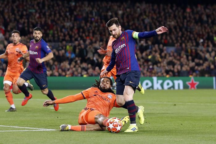 Một ngày sau khi Ronaldo lập cú hat-trick thần thánh, Messi tạo nên thành tích chưa từng có trong sự nghiệp - Ảnh 4.