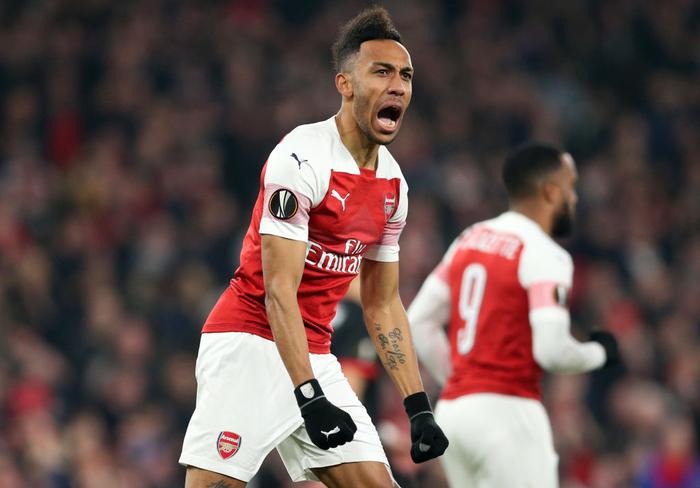 Black Panther xuất hiện, Arsenal ngược dòng xuất sắc tiến vào tứ kết Europa League - Ảnh 1.
