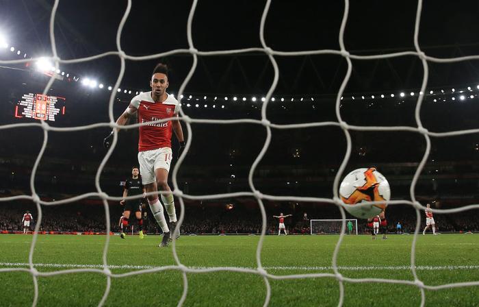Black Panther xuất hiện, Arsenal ngược dòng xuất sắc tiến vào tứ kết Europa League - Ảnh 2.